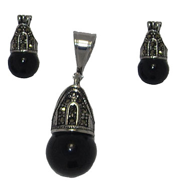Stainless Steel Wholesale Earrings and Pendant set