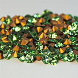 25 Tiny Colored Crystals wholesale