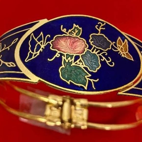 Cloisonne Yellow Gold Plated Hinged Bangle NWT