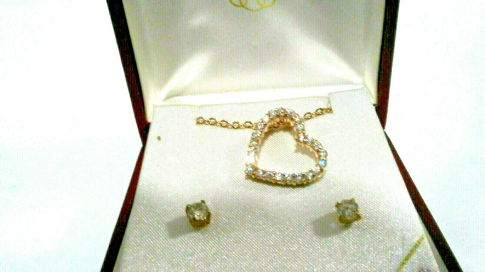 Cubic Zirconia Floating Heart Pendant Earring set