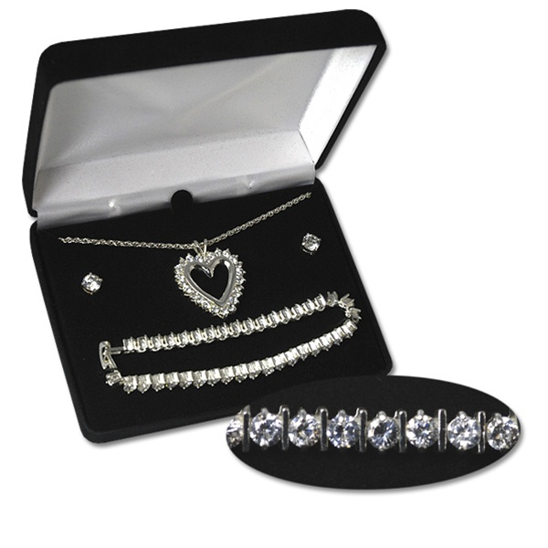 Stunning Cubic Zirconica heart necklace set